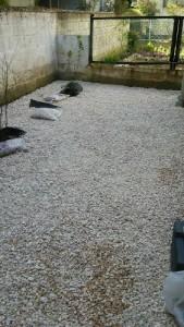 化粧砂利 洋風ガーデン ピンク 庭リフォーム