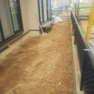 便利屋 草むしり 砂利敷き 整地 防草シート